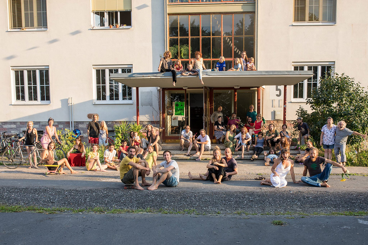 Pionierphase Projekt Cambium: Ein- und Ausblicke in 592 Tage Kasernenleben in Gemeinschaft